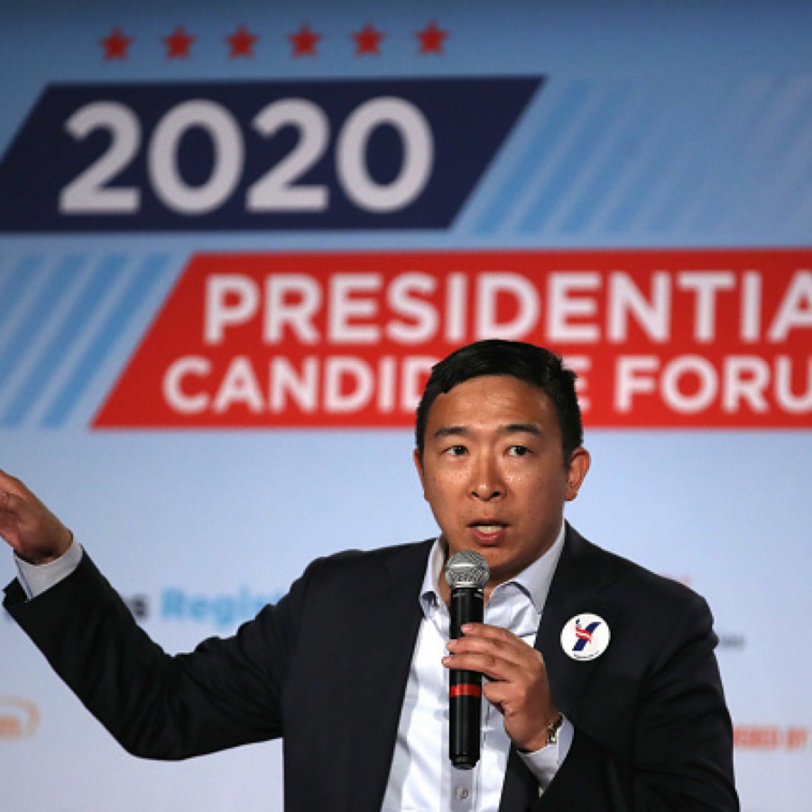 Andrew+Yang+Proposes+Universal+Basic+Income+in+America